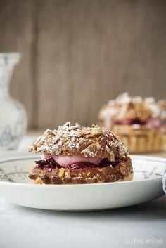 Tarte maison met krieken Cereal, Breakfast, Desserts, Kitchens, Morning Coffee, Tailgate Desserts, Deserts, Postres, Dessert