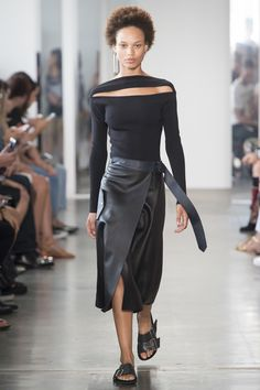 The skirt is meh, but the top! Dion Lee Spring 2017 Ready-to-Wear Fashion Show - Afrodita Dorado