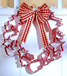 holiday cookie cutter wreath ideas