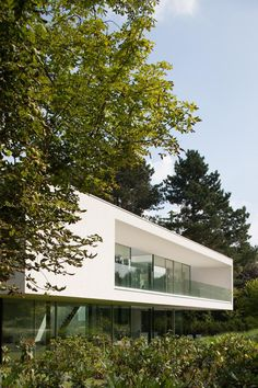 Villa by Bruno Erpicum in Belgium - picture by Jean Luc Laloux