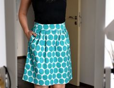 Sewing Clothes, Diy Clothes, Fabric Stamping, Couture, Sewing Basics, Gifts For Girls, Tie Dye Skirt, Poodle, High Waisted Skirt