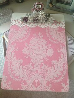 Pink clipboard for my home office Crafts For Seniors, Diy Crafts To Sell, Fun Crafts, Crafts For Kids, Arts And Crafts, Paper Crafts, Craft Gifts, Diy Gifts, Clipboard Crafts