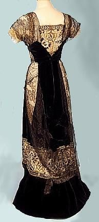 c. 1910 Black Cotton Velvet and Silk Chantilly Lace Edwardian Gown, back view