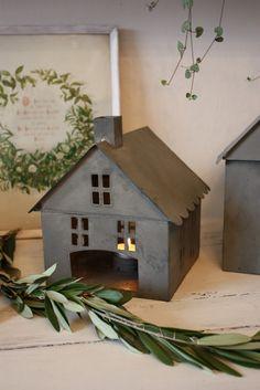 Tin houses for tea lights