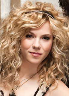 I would LOVE to have a perm to have hair like Kimberly Perry in The Band Perry
