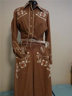 vintage 1950s western outfit, cowgirl, beautiful brown with embroidery