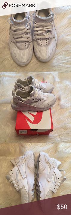 Girls White/White Nike Huaraches Girls Nike Huarache Sneakers feature a lightweight combination upper for comfort and durability, excellent cushioning in great condition, size 4 with box Nike Shoes Sneakers