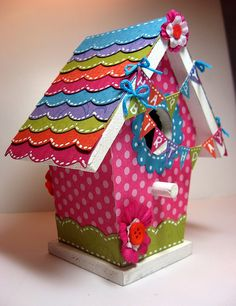 i want to decorate a bird house like this for reagans room.. use it as a piggy bank?