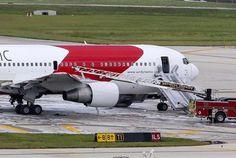 Avião pega fogo antes de decolar e fere 14 pessoas.  (foto: EPA)
