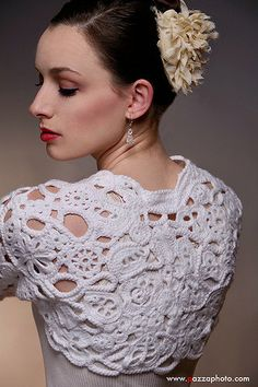 White Bolero crochet inspiration more: http://pinterest.com/gigibrazil/crochet-and-knitting-lovers/