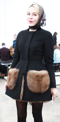 Ulyana Sergeenko, пальто с меховыми карманами. Индивидуальный пошив в интернет-ателье Namaha3D www.livemaster.ru/namaha