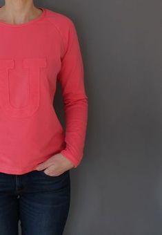 Produktfoto von Windschnittich für Schnittmuster Raglanpulli Ida Raglan Pullover, Sweatshirt, Sewing Clothes, Shirts, Etsy, Long Sleeve, Sleeves, Sweaters, Mens Tops