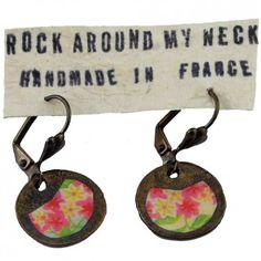 """Mit den verspielten Ohrhängern """"Blumenwiese"""" vom französischen Label Rock around my neck trägst du ein luftig-leichtes Accessoire mit dezentem Vintage-Touch."""