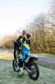 Dirt bike engagement photography tayler might actually like this one (: Dirt Bike Couple, Motocross Couple, Motocross Love, Motocross Bikes, Cute Couples Goals, Couple Goals, Dirt Bike Engagement, Dirt Bike Wedding, Couple Photography