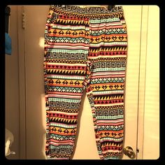 Aztec print joggers size 2X Aztec print joggers with pockets nice and colorful for the warm seasons Pants Track Pants & Joggers
