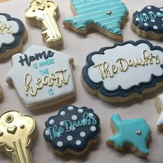 A small set of housewarming cookies!