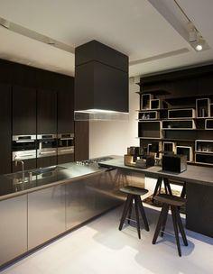 @Poliform | Varenna Paris, Parigi, 2010 #kitchen #design
