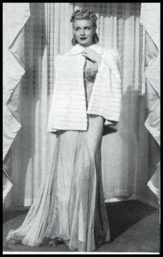 Miss Lindsay Lane: fashion Fur Cape, Hollywood Actresses, Vintage, Google, Fashion, Moda, Fashion Styles, Vintage Comics, Fashion Illustrations
