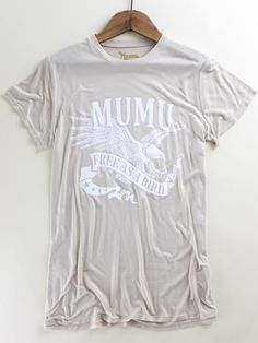 MuMu Free as a Bird Graphic Tee. Show Me Your MuMu. Show Me Your MuMu graphic tee. Spring graphic. Spring style. Spring outfit inspo at therollinj.com.