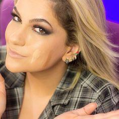 Quer saber cinco dicas pra escolher o tom de base correto? Estão vai lá no blog: www.alicesalazar.com.br #alicesalazar #blog #instablog #instamake #instavideo #makeup #maquiagem #maquillaje #base #tomdebase #cordebase #baseideal