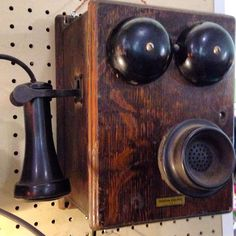 VINTAGE TELEPHONE FIND ! ..... Download the Antique Resource App FLEATIQUE on the Apple App Store for iPhone 5 - 5c - 5s & iPhone 6 ..... antiques roadshow american pickers vintage retro antique mall store lover