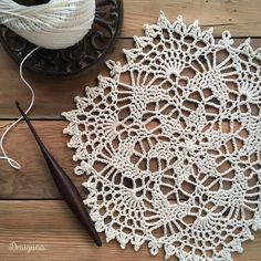 Draiguna: Imbued Starweave - free crochet pattern, tutorial and chart by Julia Hart. Crochet Snowflake Pattern, Crochet Snowflakes, Crochet Doilies, Crochet Patterns, Crochet Dishcloths, Front Post Double Crochet, Half Double Crochet, Cotton Crochet, Thread Crochet