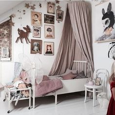 hanging-canopy-kids-room