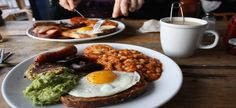 8 Best Breakfast Places In Downtown Montreal Good Breakfast Places, Healthy Breakfast Options, Nutritious Breakfast, Best Breakfast, Breakfast Meals, Sunday Breakfast, Brunch Spots, Good Food, Nutrition
