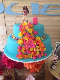Loving the tropical birthday cake at this Moana Birthday Party!! See more party ideas and share yours at CatchMyParty.com #catchmyparty  #moanabirthdayparty  #moanabirthdaybirthdaycake