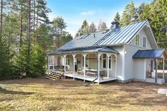 Houzz Tour: Preserving the Soul of a Swedish Mission House New England Hus, New England Style, New House Plans, Dream House Plans, Backyard Retreat, Backyard Patio, Mission House, Dream House Exterior, Black House
