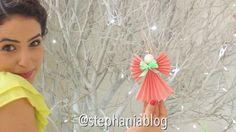 🎥Assista ao TUTORIAL COMPLETO, com outras ideias de enfeites de árvores de natal em youtube.com/tvstephania9 (link no meu perfil) 💕Inscreva-se no canal pra continuar acompanhando os vídeos de toda minha decoração natalina! 🎄ENFEITES DE ÁRVORE DE NATAL Não precisa gastar muito pra deixar linda sua decoração de natal, e eu te provei isso nesse vídeo! Com materiais baratinhos e alguma disposição pra colocar a mão na massa, encha sua árvore de enfeites economizando muito. E com essa economia…