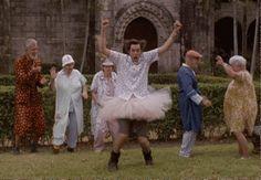 Um dançarino a custo zero  Veja mais em: http://www.jacaesta.com/um-dancarino-a-custo-zero/