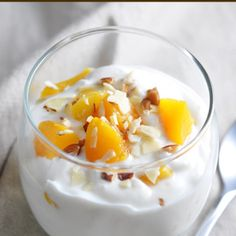 These Peach Parfaits only require 3 ingredients and 5 minutes of prep for an easy and healthy breakfast or afternoon snack!