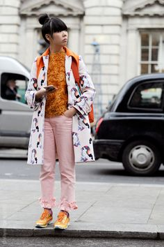 Susie looking 20 types of interesting in London. #SusieLau #StyleBubble