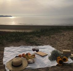 Aesthetic, beach, and picnic image Summer Vibes, Summer Feeling, I Need Vitamin Sea, Perfect Day, Beach Picnic, Summer Picnic, Summer Dream, Spring Summer, Am Meer