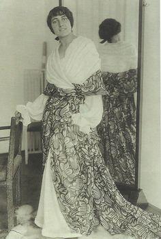 * Afternoon dress by Wiener Werkstätte 1913 unknown photographer