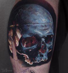 Valentina Ryabova @val_tatboo BLACKOUT tattoo collective @blackouttattoocollective #blackouttattoocollective