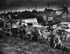 Photos From the Battle of Iwo Jima to Mark Its 70th Anniversary | History | Smithsonian