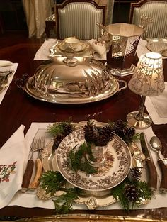 Setting a Thanksgiving table and a giveaway! - The Enchanted Home