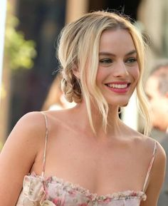 Tumblr Actriz Margot Robbie, Margot Elise Robbie, Margo Robbie, Margot Robbie Harley Quinn, Beautiful Female Celebrities, Most Beautiful Women, Beautiful Actresses, Absolutely Stunning, Naomi Lapaglia