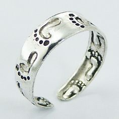 Footprints in the Sand Toe Ring Antiqued Sterling Silver