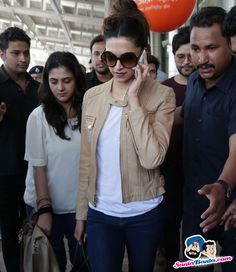 Stars Spotted 2015 -- Deepika Padukone snapped at Jaipur airport Picture # 320217