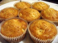 Briose cu mere si scortisoara Baby Food Recipes, Cookie Recipes, Dessert Recipes, No Cook Desserts, Delicious Desserts, Food Cakes, Cupcake Cakes, Cupcakes, Good Food
