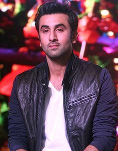 Ranbir Kapoor is keen on living upto romantic hero image! - http://www.bolegaindia.com/gossips/Ranbir_Kapoor_is_keen_on_living_upto_romantic_hero_image-gid-35459-gc-6.html