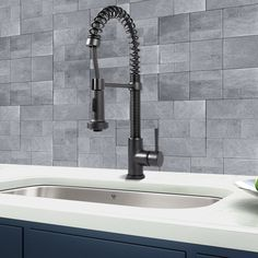 Single Handle Pull-Down Spray Kitchen Faucet