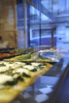 Pizza di Loretta  62 rue Rodier 75009  http://www.pizzadiloretta.com/#