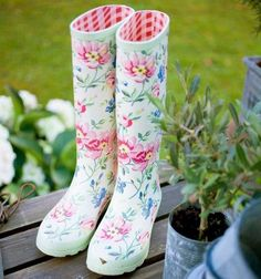 ღ greengate wellies! Little Fashionista, Garden Boots, Outfits Damen, Pip Studio, Spring Has Sprung, Spring Garden, Beautiful Soul, Bunt, Rubber Rain Boots