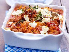 Greek Recipes, Meat Recipes, Pasta Recipes, Healthy Recipes, Sausage Pasta Bake, Sausage Spaghetti, Spaghetti Sauce, Minced Meat Recipe, Home Meals