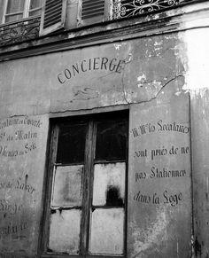 Robert Doisneau // Housekeepers - Kremlin Bicêtre 1945