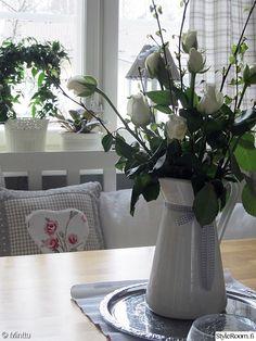 keittiö,maalaisromanttinen,ruusuja